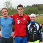 """Vinnerne av """"Vestmarka rundt"""". Fra venstre andre plass Lars Austad, første plass Johann Rambøl Ruud og tredje plass Sofie Mohn."""