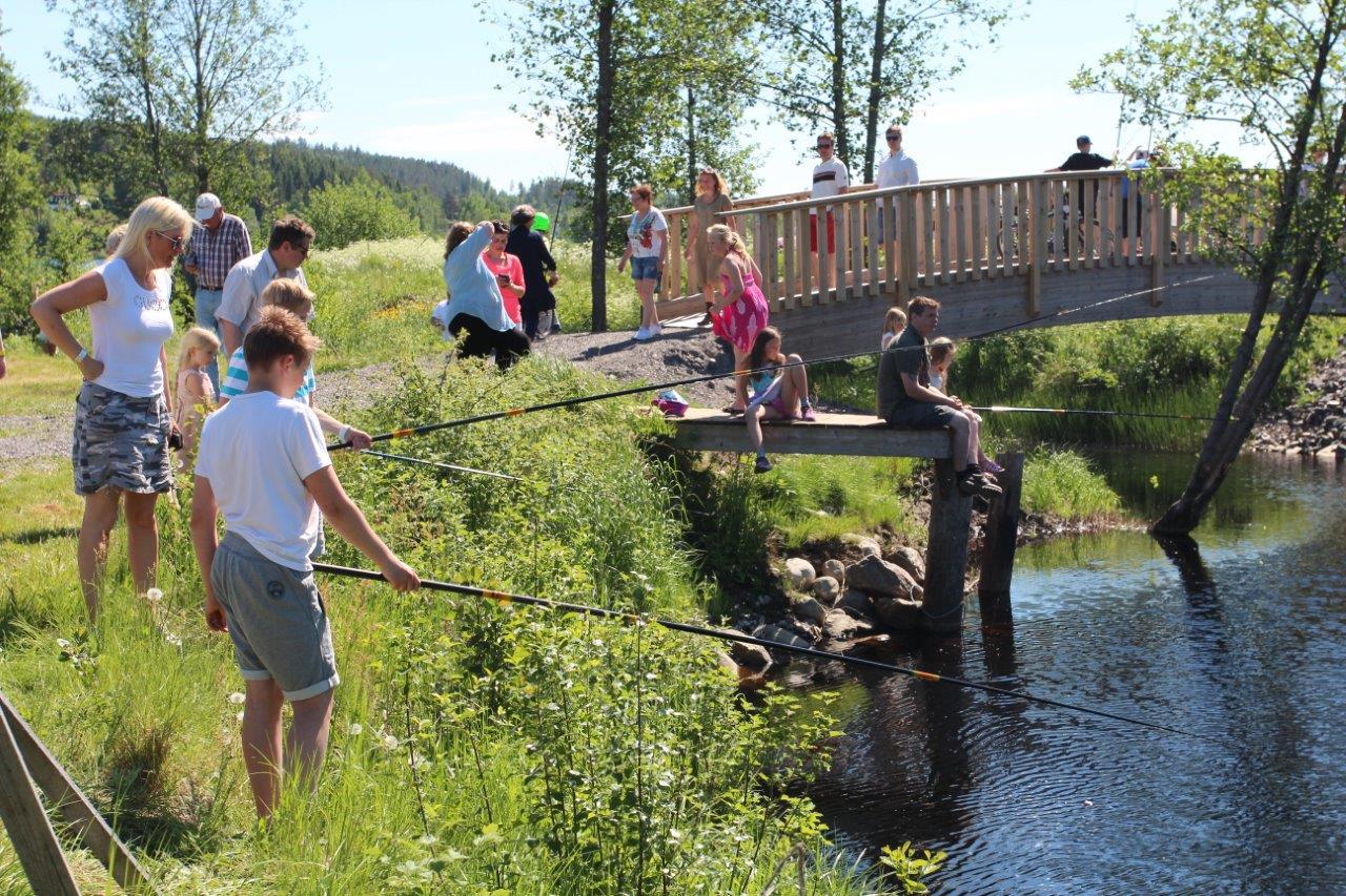 Fisking i Buåa. Foto: Hans Dyblie
