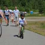 Hilde og Erlend tok runden på to hjul. Foto: Astri Kløvstad