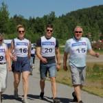 Med energiske skritt ut på Vestmarka rundt. F.v. Bjørg Brustad, Maren Rambøl Ruud, Fredrik Rambøl Ruud og Sigmund Ruud. Foto: Astri Kløvstad