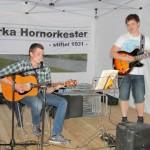 Fredrik Ruud og Stian Kraft sørget for dansemusikk utover kvelden. Foto: Astri Kløvstad