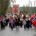 Vestmarka har egen montessoriskole, egen naturbarnehage og eget hornorkester som sammen med foreldre og andre sambygdinger utgjorde 17.maitoget.